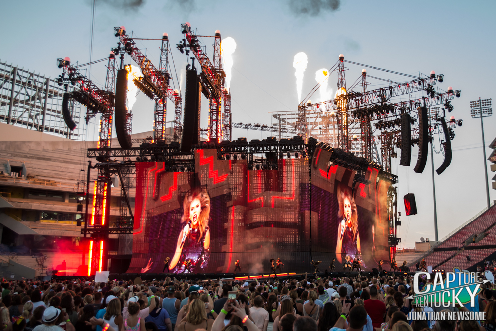 Taylor Swift Rides Her Reputation Tour Into Papa John S Cardinal Stadium In Louisville Capture Kentucky